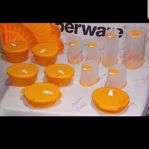 Tupperware orange set